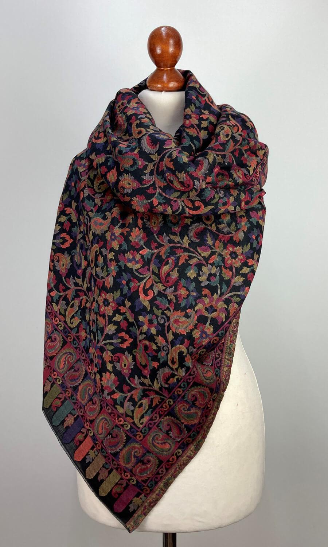 Kani Stola schwarz mit Paisley Muster