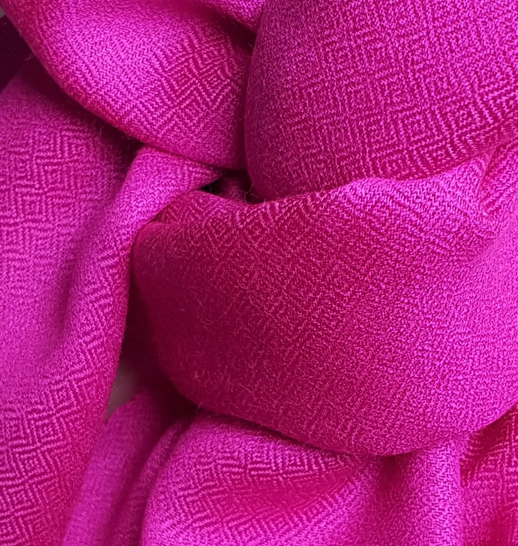 """Schal """"Lurid Pink Pearl"""""""
